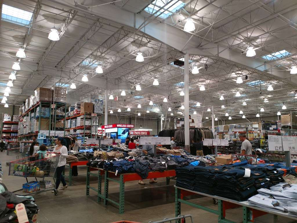 Costco Wholesale - department store  | Photo 6 of 10 | Address: 10 Garet Pl, Commack, NY 11725, USA | Phone: (631) 462-3900