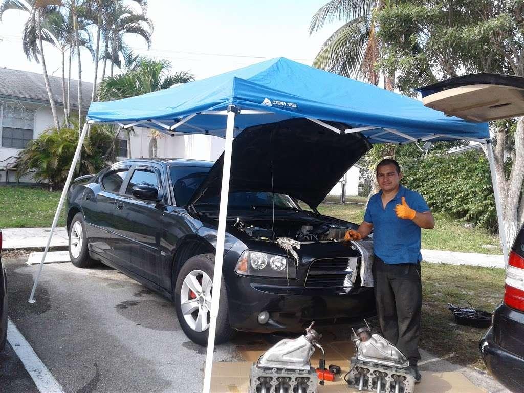 Mecanico a domicilio West Palm Beach - car repair  | Photo 5 of 9 | Address: 4589 Barclay Crescent, Lake Worth, FL 33463, USA | Phone: (561) 201-1792