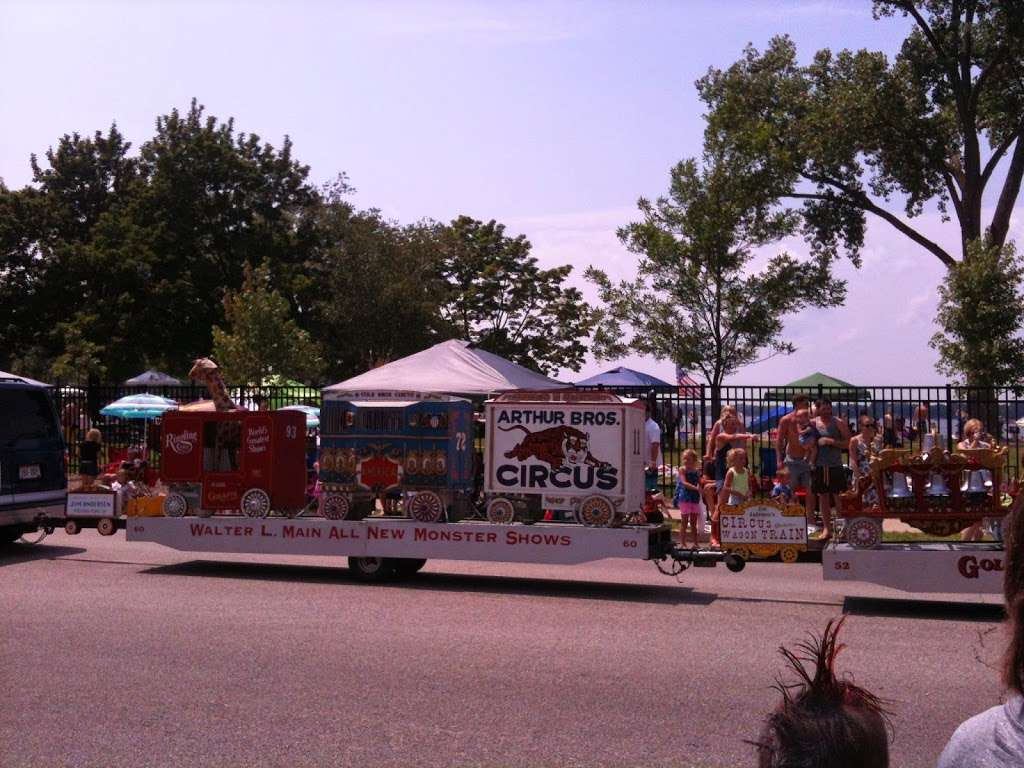Crystal Lake Main Beach - park  | Photo 7 of 10 | Address: Crystal Lake, IL 60014, USA | Phone: (815) 459-0680