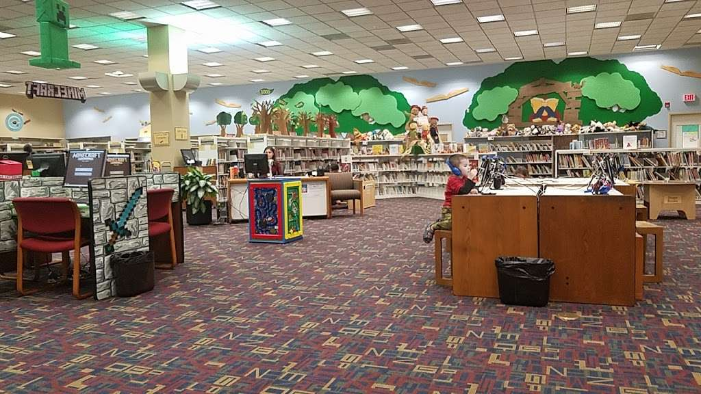 Sterling Municipal Library - library  | Photo 2 of 9 | Address: 4258, 1 Mary Elizabeth Wilbanks Ave, Baytown, TX 77520, USA | Phone: (281) 427-7331