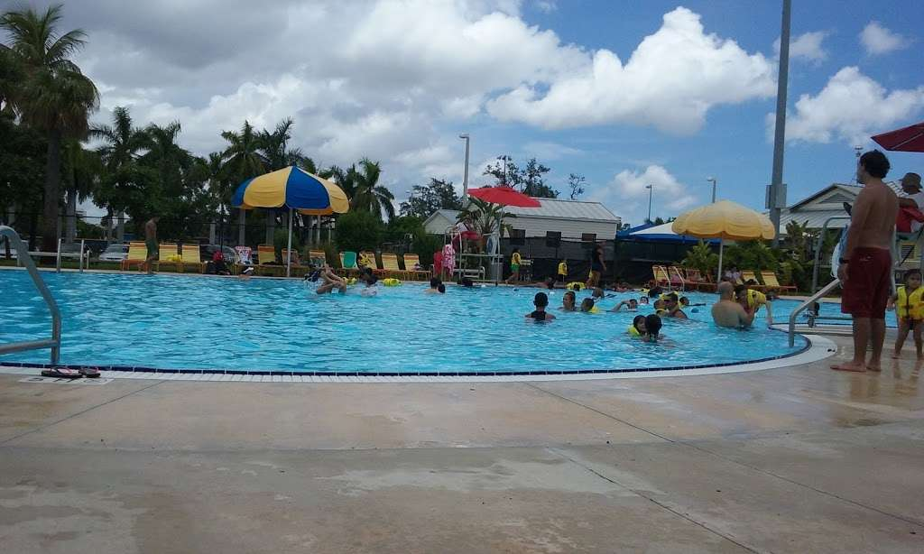 Grapeland Water Park - amusement park  | Photo 2 of 10 | Address: 1550 NW 37th Ave, Miami, FL 33125, USA | Phone: (305) 960-2950