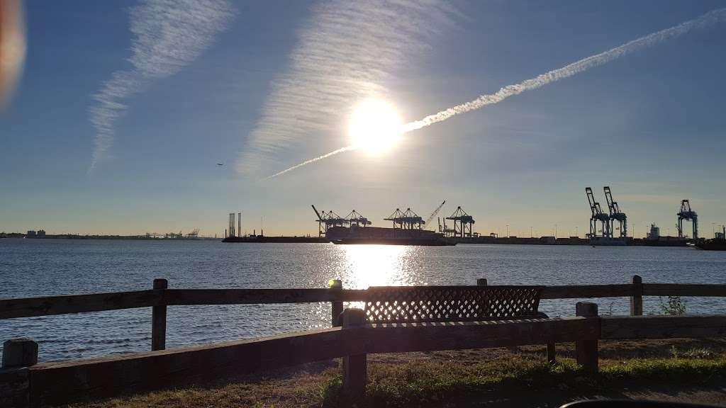 G. Thomas DiDomenico Park - park  | Photo 6 of 8 | Address: 375-409 Avenue A, Bayonne, NJ 07002, USA