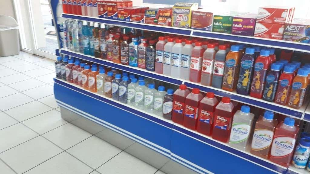 Farmacias del Ahorro Península - pharmacy  | Photo 3 of 4 | Address: Calle Ing. Juan Ojeda Robles 15125, Buena Vista, Los Alamos, 22110 Tijuana, B.C., Mexico | Phone: 664 972 0100