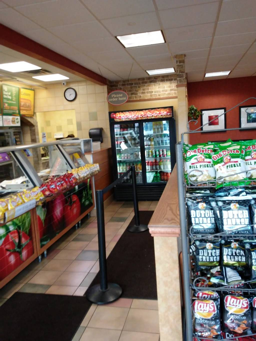 Subway - meal takeaway  | Photo 5 of 10 | Address: 376 White Bear Ave, St Paul, MN 55106, USA | Phone: (651) 735-2718