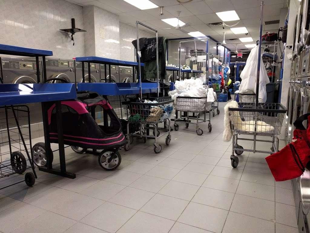 P & P Laundromat - laundry  | Photo 1 of 3 | Address: 82 S 4th St, Brooklyn, NY 11211, USA | Phone: (718) 486-7530