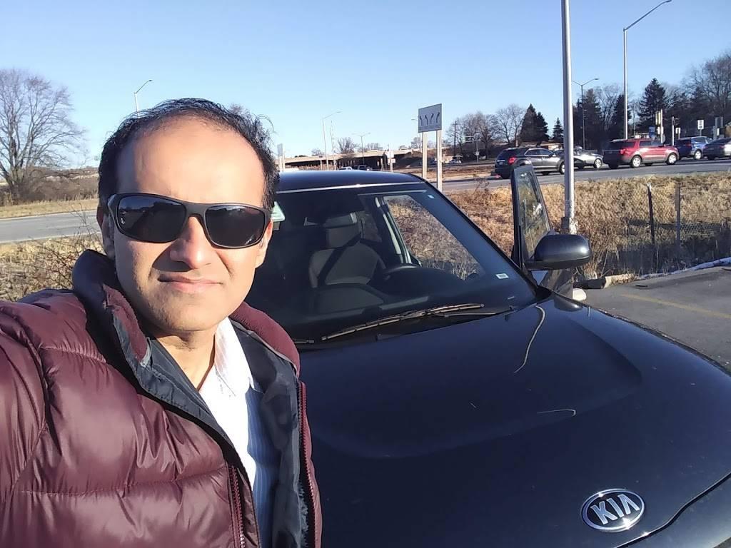 Budget Car Rental - car rental  | Photo 3 of 4 | Address: 1005 S Moorland Rd, Brookfield, WI 53005, USA | Phone: (262) 796-2947
