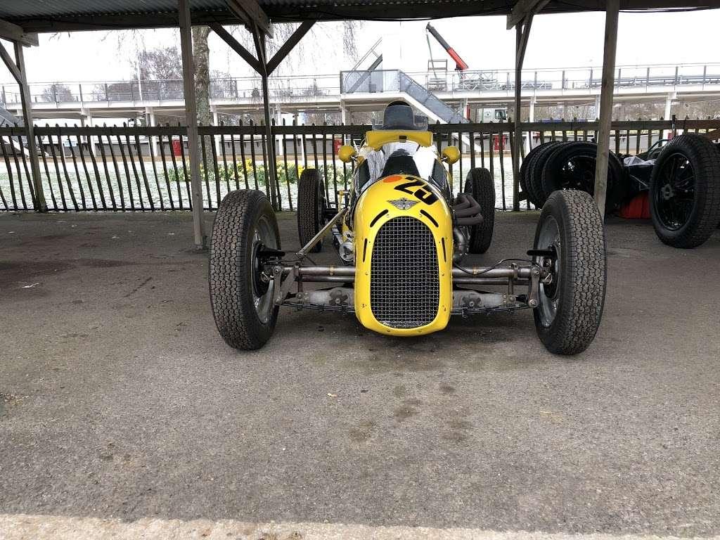 Pigsty Racing - car repair  | Photo 8 of 10 | Address: 2b, Lady Cross Business Park, Hollow Ln, Dormansland, Lingfield RH7 6PB, UK | Phone: 01342 870988