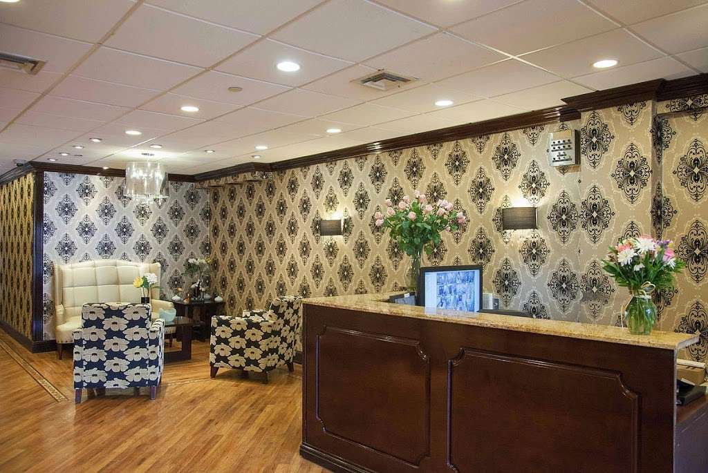 Gold Crest Care Center - health  | Photo 4 of 10 | Address: 2316 Bruner Ave, Bronx, NY 10469, USA | Phone: (718) 882-6400