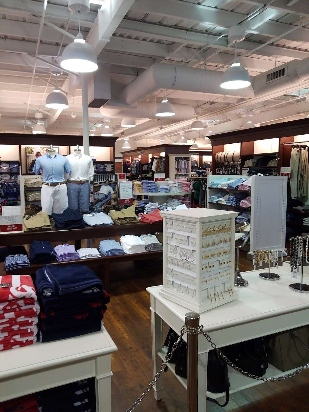 Polo Ralph Lauren Factory Store - clothing store    Photo 1 of 10   Address: 203 Outlet Center Dr, Queenstown, MD 21658, USA   Phone: (410) 827-5039