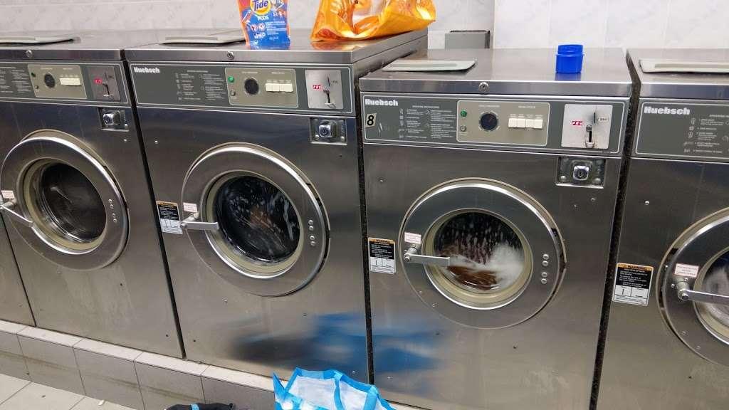 P & P Laundromat - laundry  | Photo 2 of 3 | Address: 82 S 4th St, Brooklyn, NY 11211, USA | Phone: (718) 486-7530