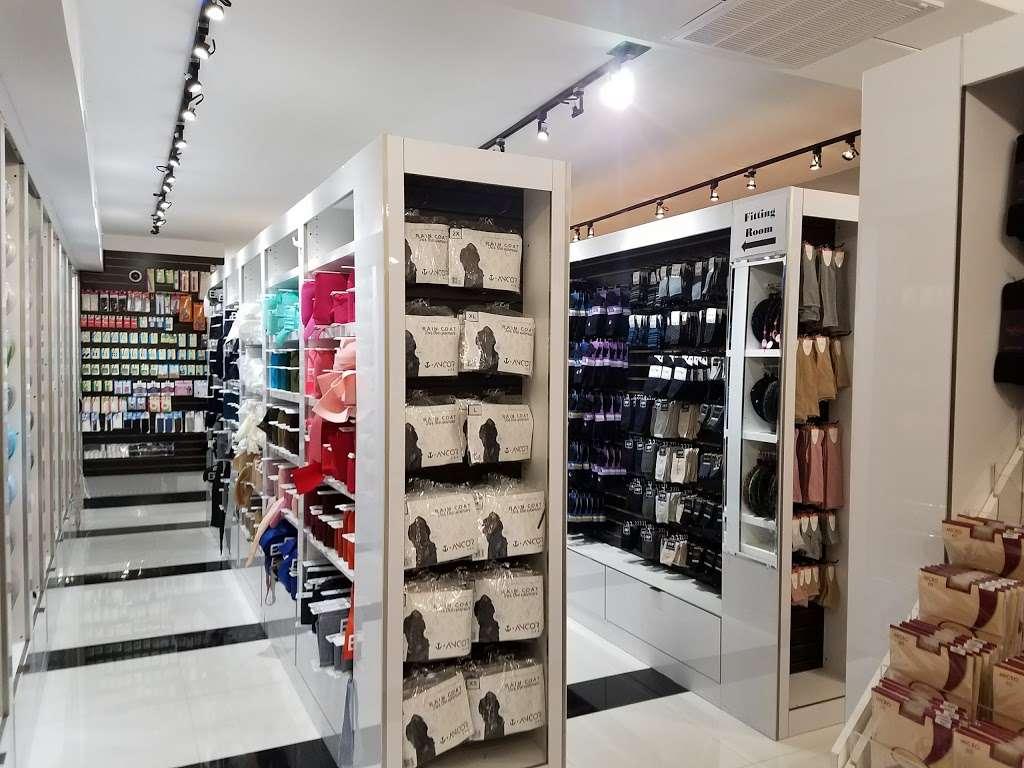 Todd Plaza - shopping mall  | Photo 1 of 10 | Address: 1091 River Ave, Lakewood, NJ 08701, USA
