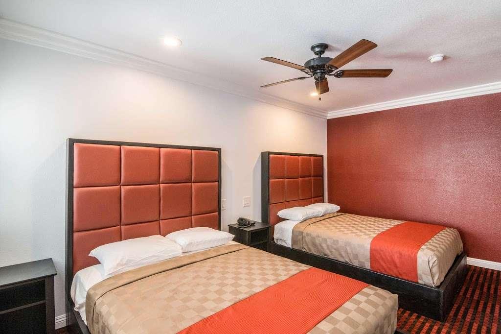 Rodeway Inn & Suites - lodging  | Photo 7 of 9 | Address: 10112 Long Beach Blvd, Lynwood, CA 90262, USA | Phone: (323) 249-0573