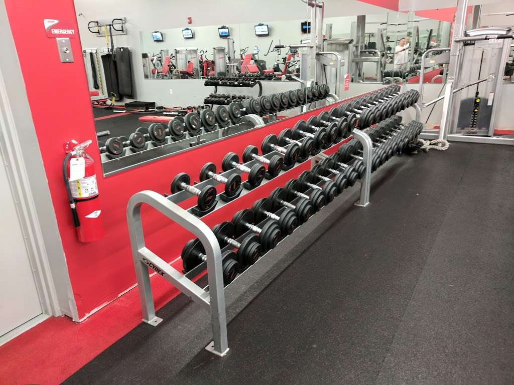 Snap Fitness - gym  | Photo 7 of 10 | Address: 881 SW Lemans Ln, Lees Summit, MO 64082, USA | Phone: (816) 623-9775