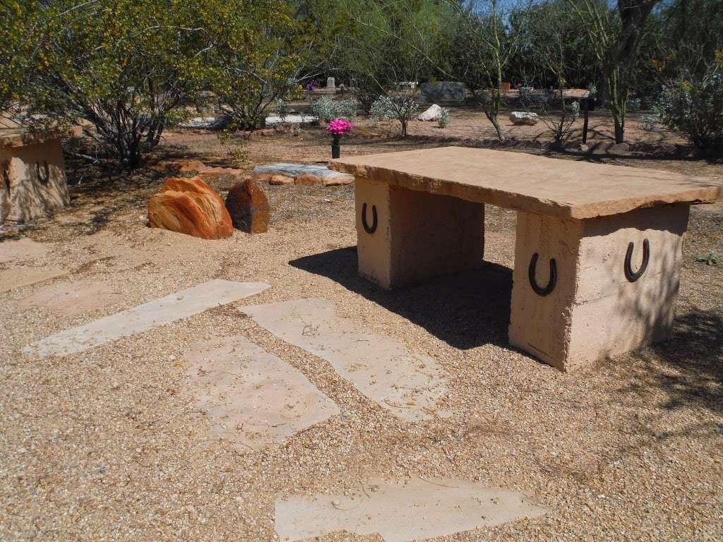 Camelback Cemetery - cemetery  | Photo 2 of 2 | Address: Paradise Valley, AZ 85253, USA | Phone: (480) 946-0394