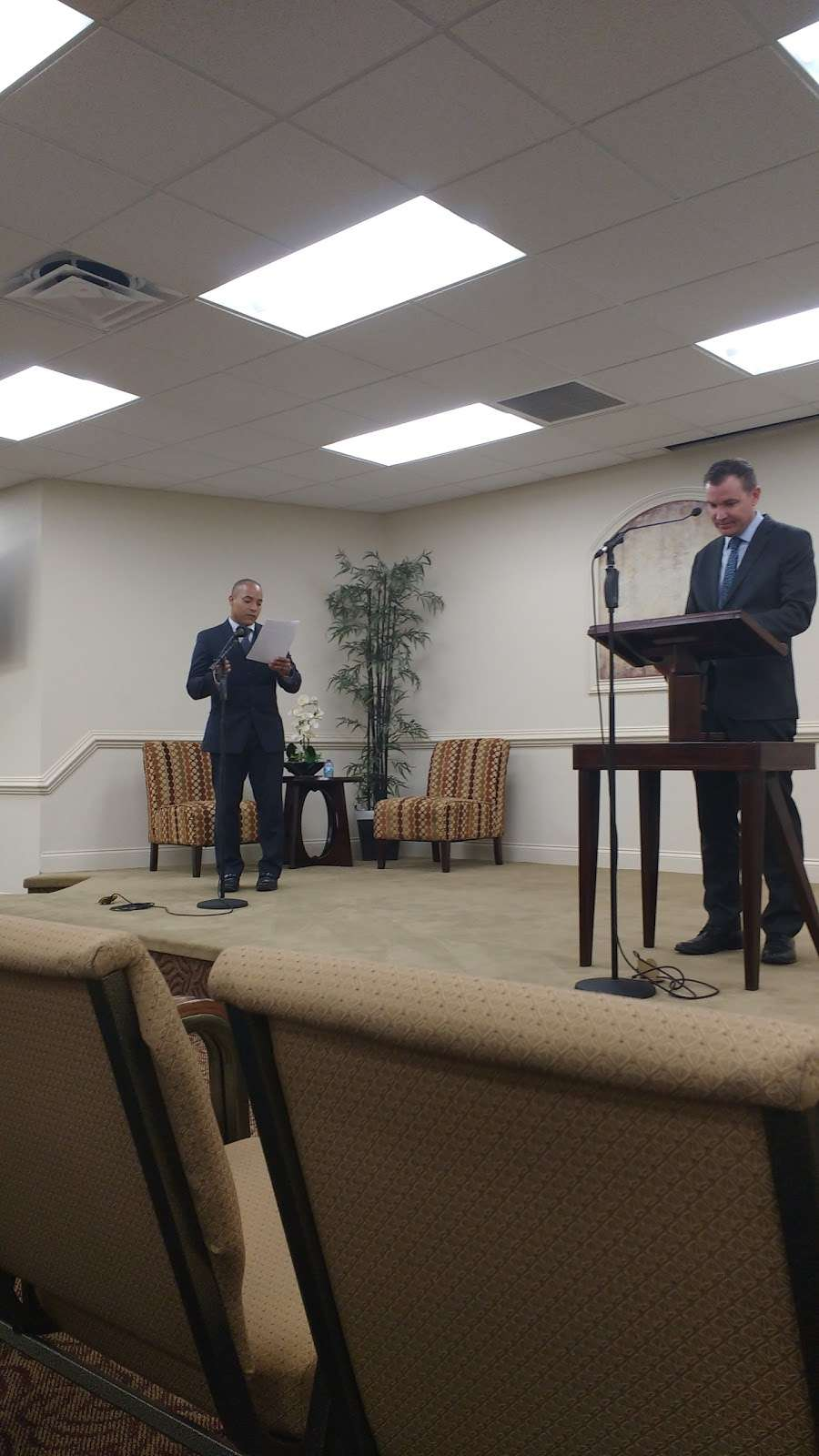 Kingdom Hall of Jehovahs Witnesses - church    Photo 6 of 8   Address: 4133 Redditt Rd, Orlando, FL 32822, USA   Phone: (407) 275-7060