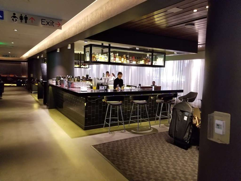 Oneworld Business Lounge - cafe    Photo 10 of 10   Address: 1 World Way, Los Angeles, CA 90045, USA   Phone: (310) 348-0750