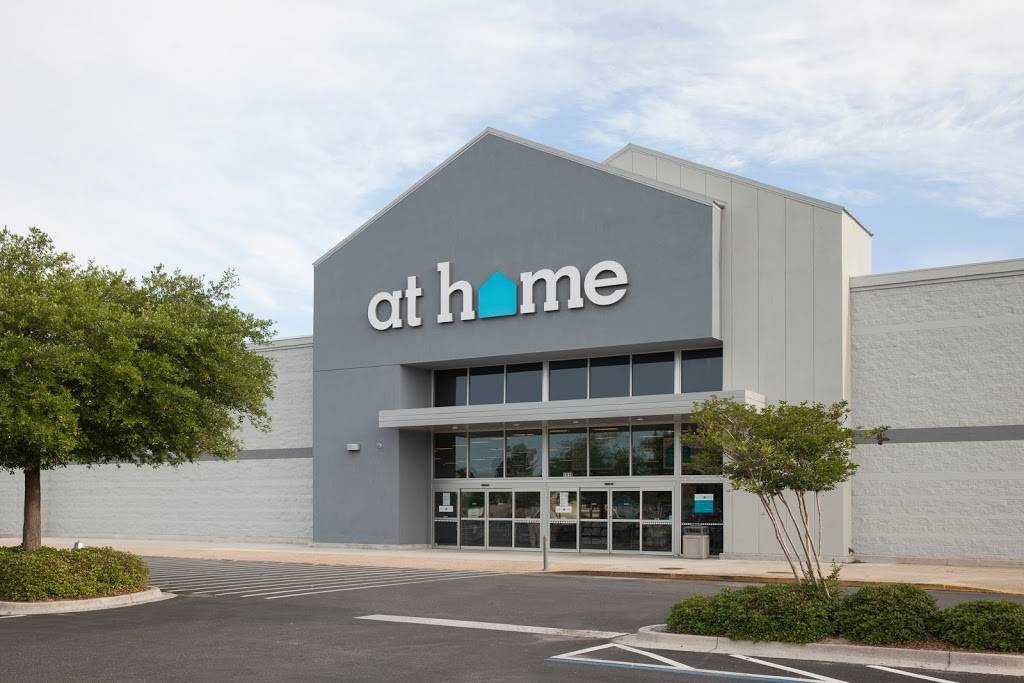 At Home - home goods store  | Photo 1 of 9 | Address: 6845 S 27th St, Lincoln, NE 68512, USA | Phone: (402) 417-1000