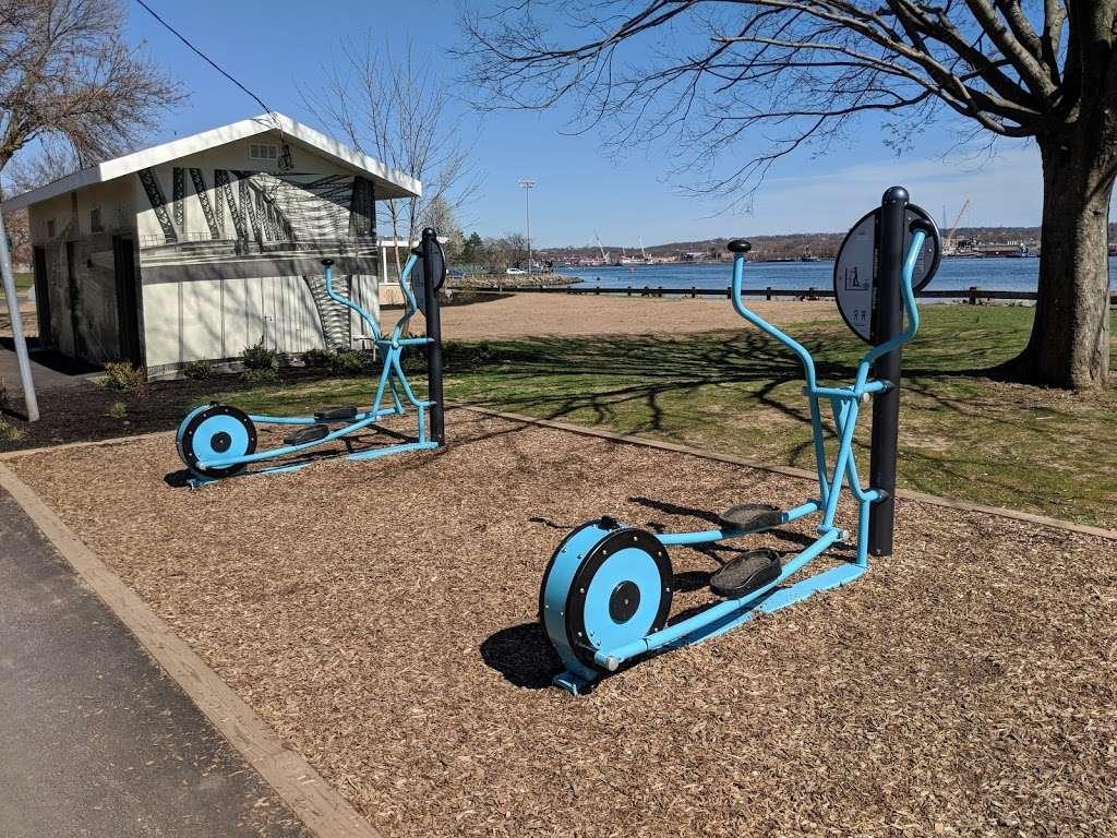 Dennis P. Collins Park - park  | Photo 9 of 10 | Address: Bayonne, NJ 07002, USA | Phone: (201) 858-6129