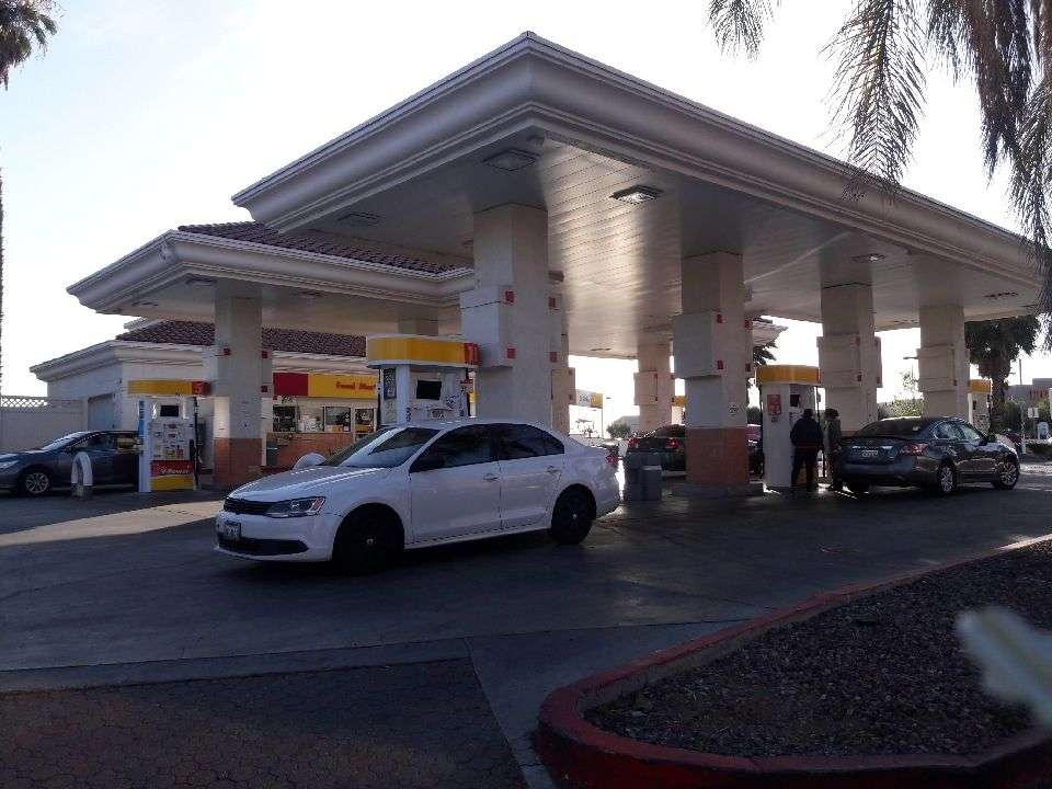 Shell - gas station  | Photo 1 of 4 | Address: 15980 Perris Blvd, Moreno Valley, CA 92551, USA | Phone: (909) 485-2425