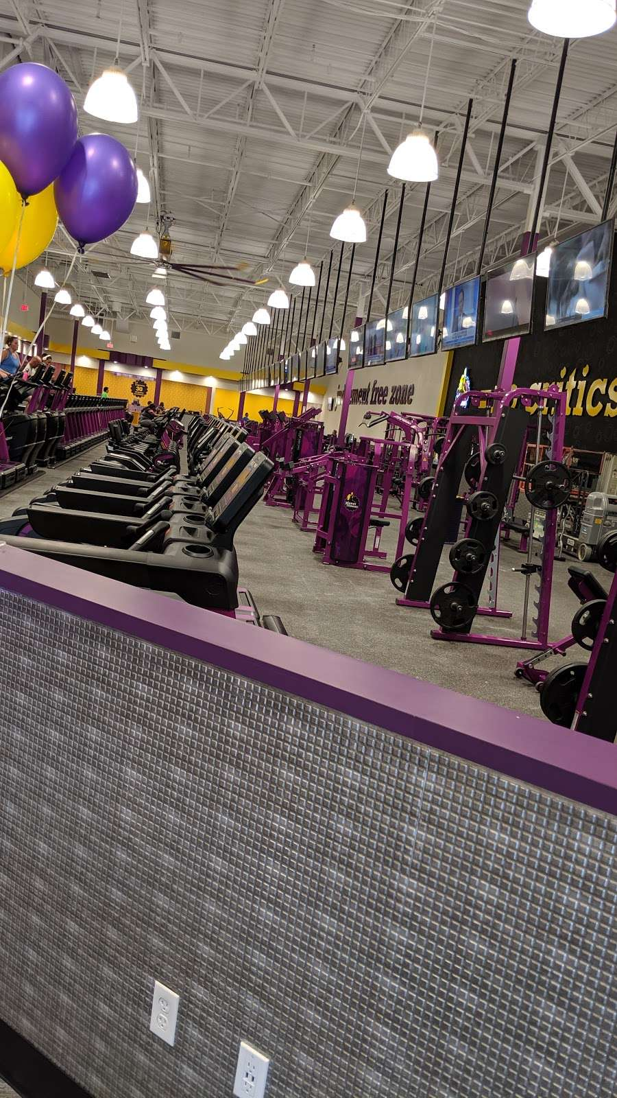 Planet Fitness 2560 Sycamore Rd Dekalb Il 60115 Usa