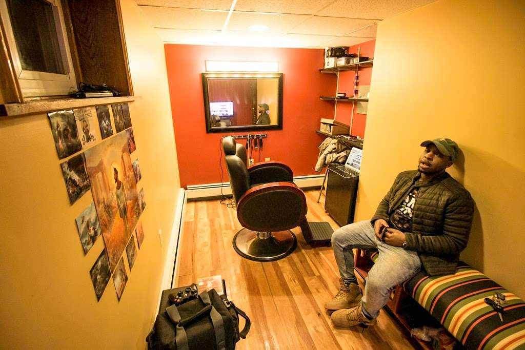 The Barbers Table - hair care  | Photo 2 of 5 | Address: 421 Valley View Rd, Englewood, NJ 07631, USA | Phone: (201) 621-3101