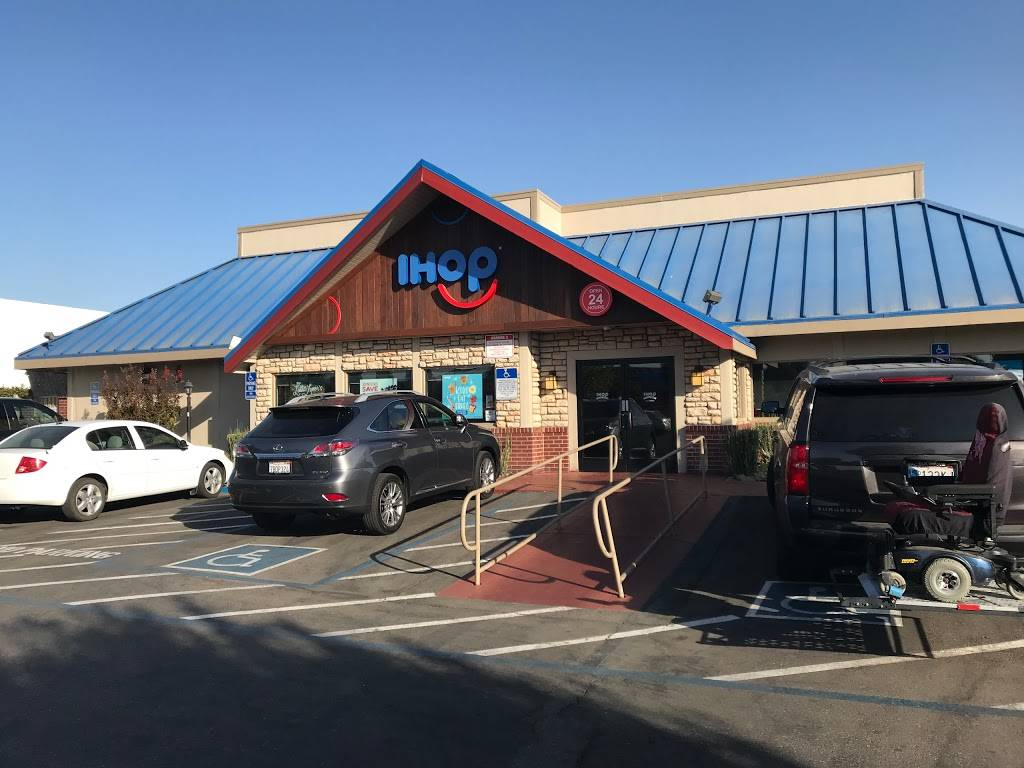 IHOP - restaurant  | Photo 1 of 10 | Address: 1674 E Hammer Ln, Stockton, CA 95210, USA | Phone: (209) 951-3137
