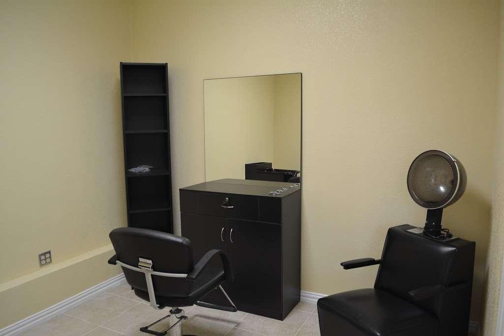 Salon Plaza - shopping mall    Photo 9 of 10   Address: 4830 Hwy 6 N, Houston, TX 77084, USA   Phone: (713) 822-2643