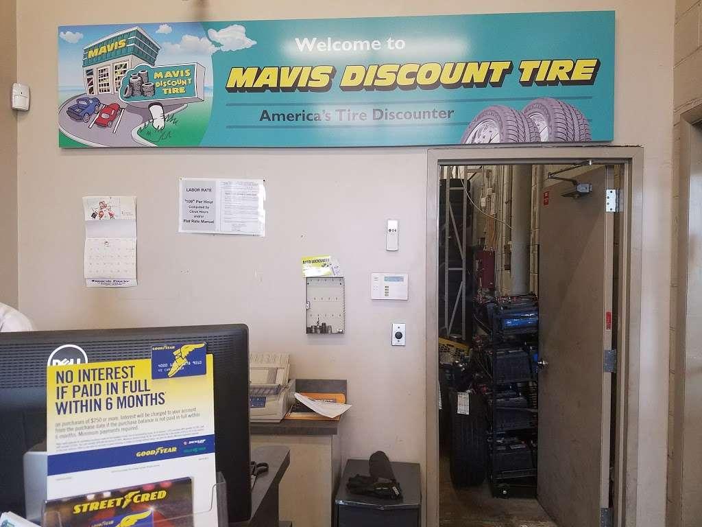 Mavis Discount Tire - car repair  | Photo 4 of 10 | Address: 832 Pennsylvania Ave, Brooklyn, NY 11207, USA | Phone: (718) 307-6771