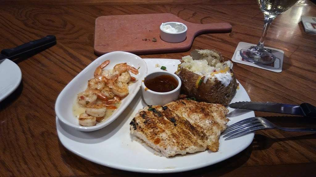 Outback Steakhouse - restaurant  | Photo 5 of 10 | Address: 1061 W Avenue P, Palmdale, CA 93551, USA | Phone: (661) 274-9607