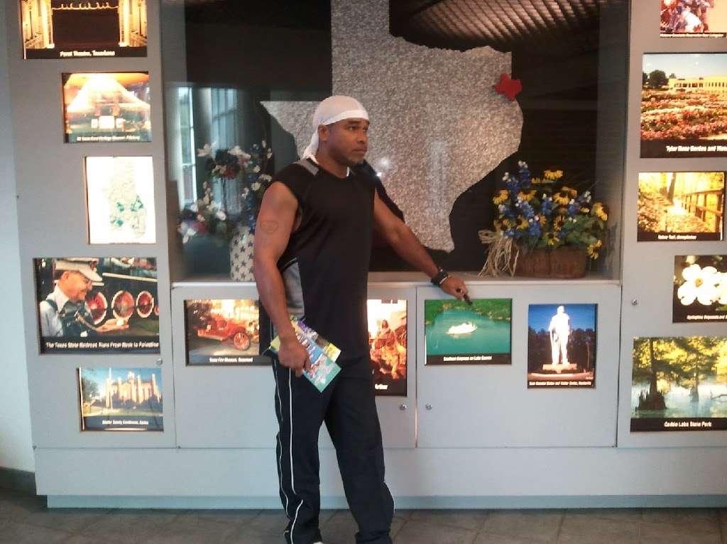 McDonalds - cafe    Photo 8 of 10   Address: 2012 Scyene Rd, Mesquite, TX 75149, USA   Phone: (972) 289-2950
