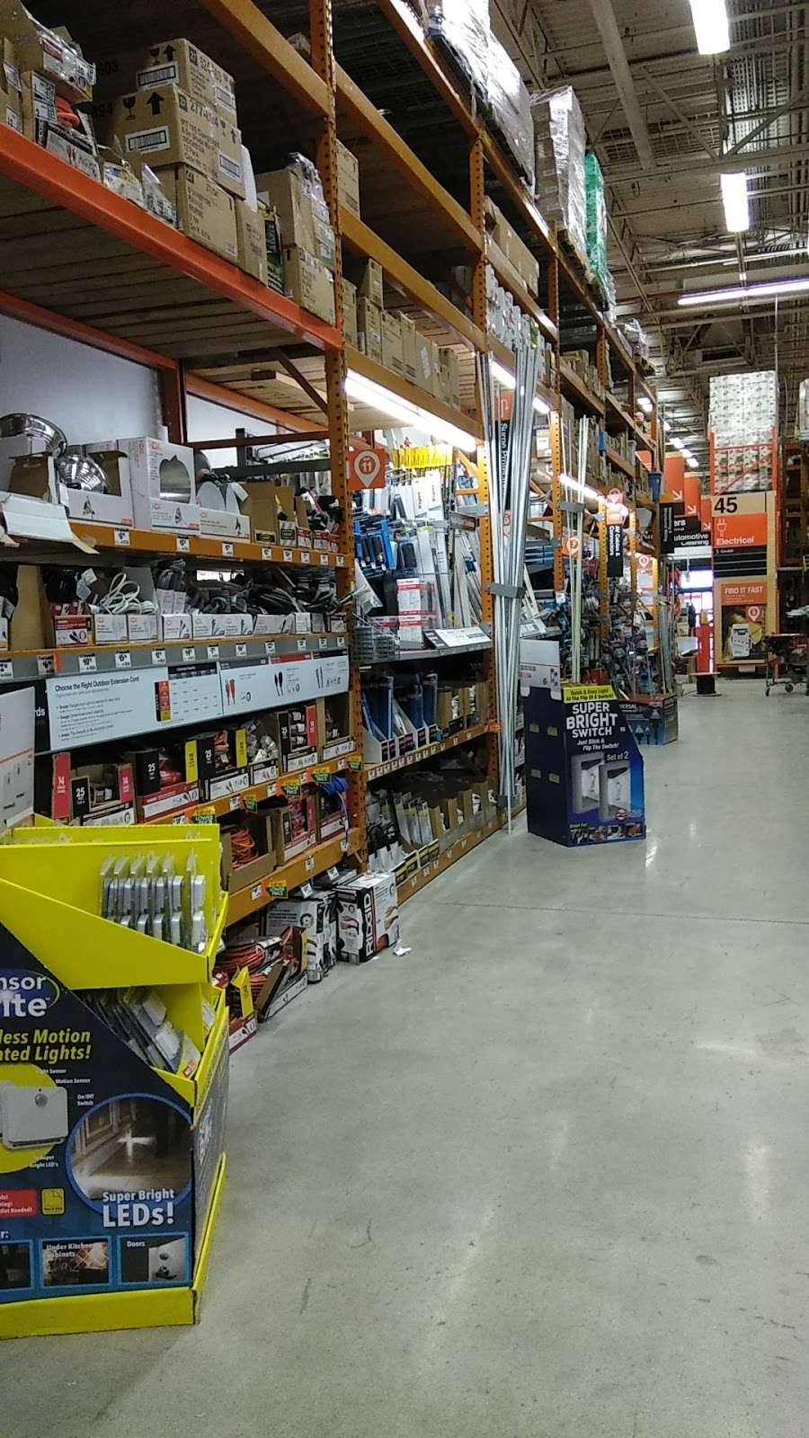 The Home Depot - hardware store    Photo 6 of 10   Address: 200-232 W 87th St, Chicago, IL 60620, USA   Phone: (773) 602-1301