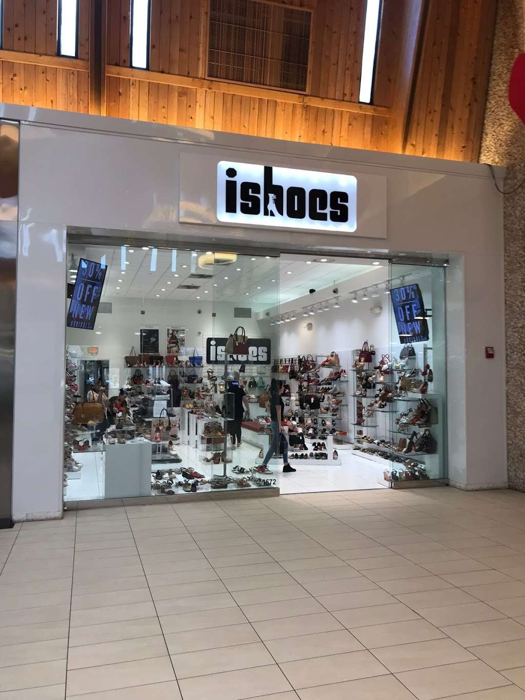 ISHOES STORE AT WESTLAND MALL, PICCADILLY AND BEIRA RIO SHOES - shoe store  | Photo 1 of 10 | Address: 1675 W 49th St, Hialeah, FL 33012, USA | Phone: (305) 819-2996