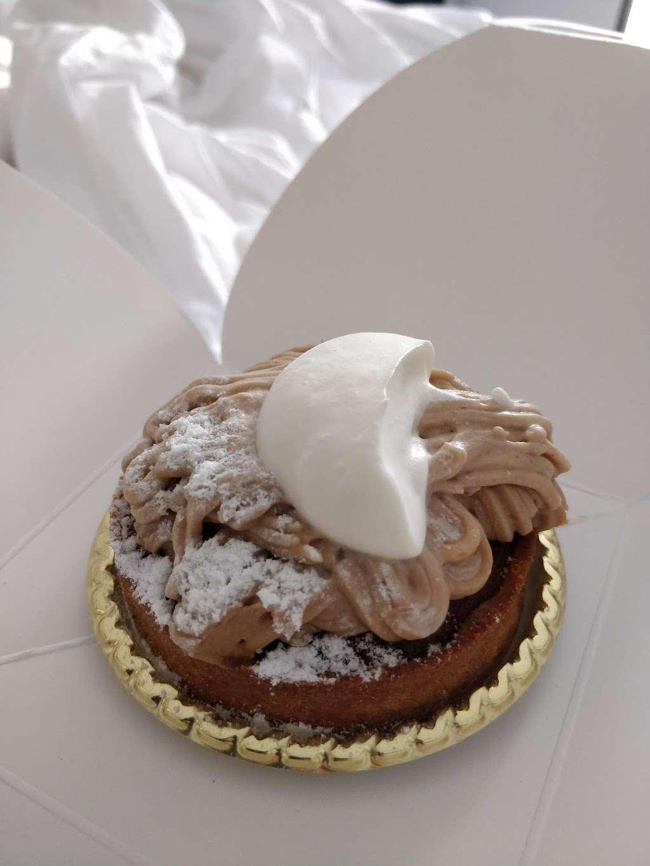 Patisserie Tomoko - bakery    Photo 8 of 10   Address: 568 Union Ave, Brooklyn, NY 11211, USA   Phone: (718) 388-7121