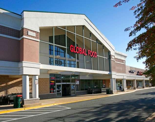 Global Food - supermarket  | Photo 1 of 10 | Address: 43761, Parkhurst Plaza, Ashburn, VA 20147, USA | Phone: (703) 729-9005
