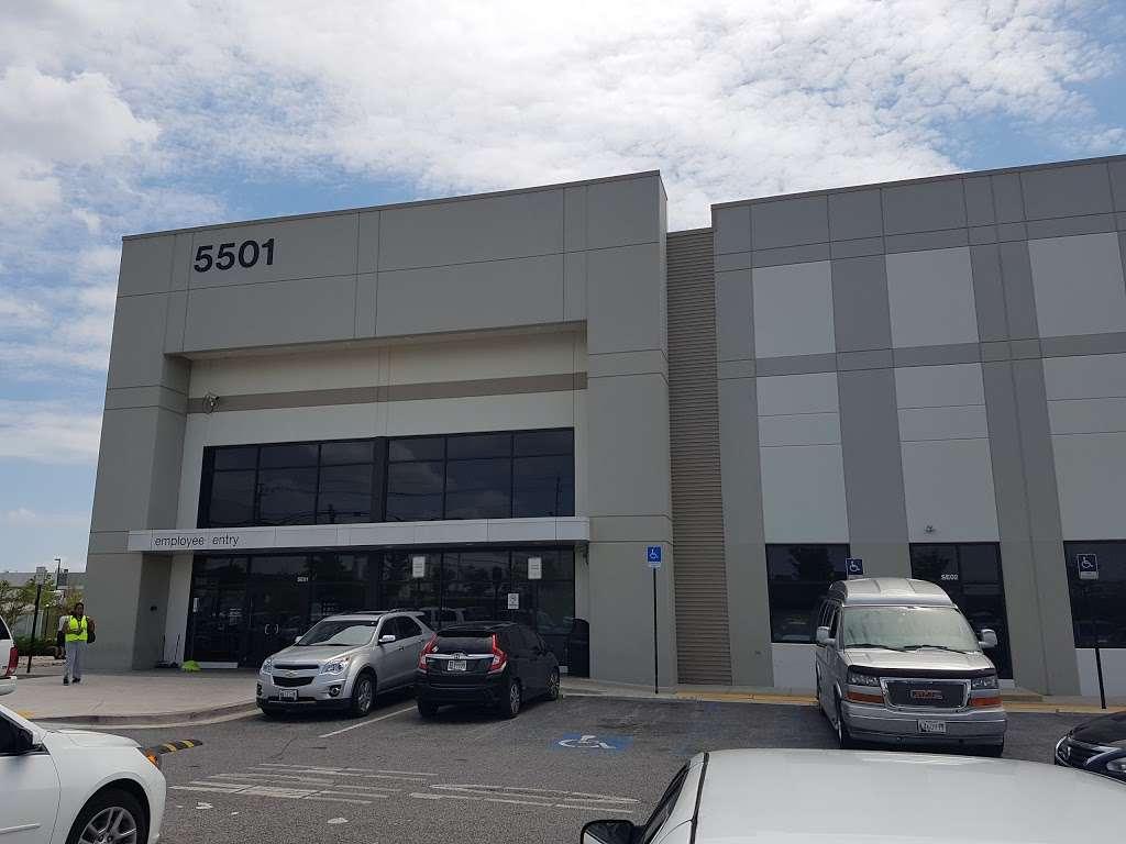 Amazon BWI5 - store  | Photo 2 of 10 | Address: 5501 Holabird Ave, Baltimore, MD 21224, USA | Phone: (866) 423-5350