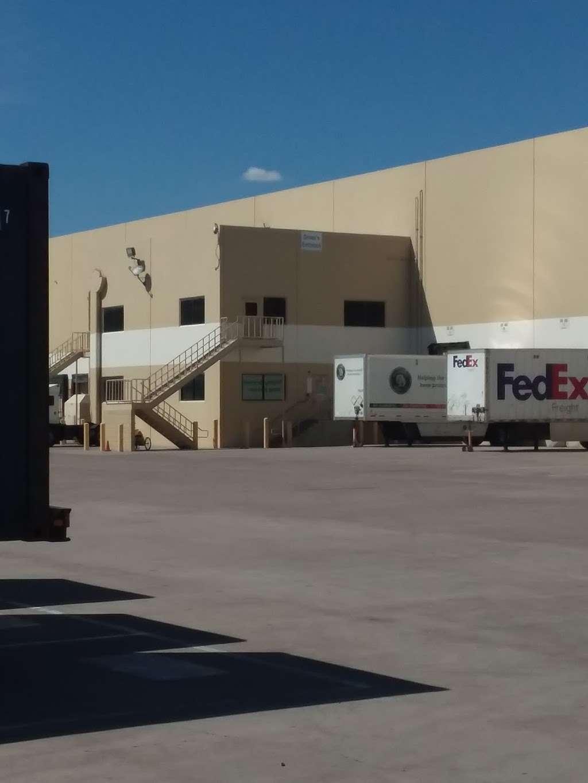 PetSmart Distribution Center - store  | Photo 3 of 4 | Address: 7800 W Roosevelt St, Phoenix, AZ 85043, USA | Phone: (623) 432-3800
