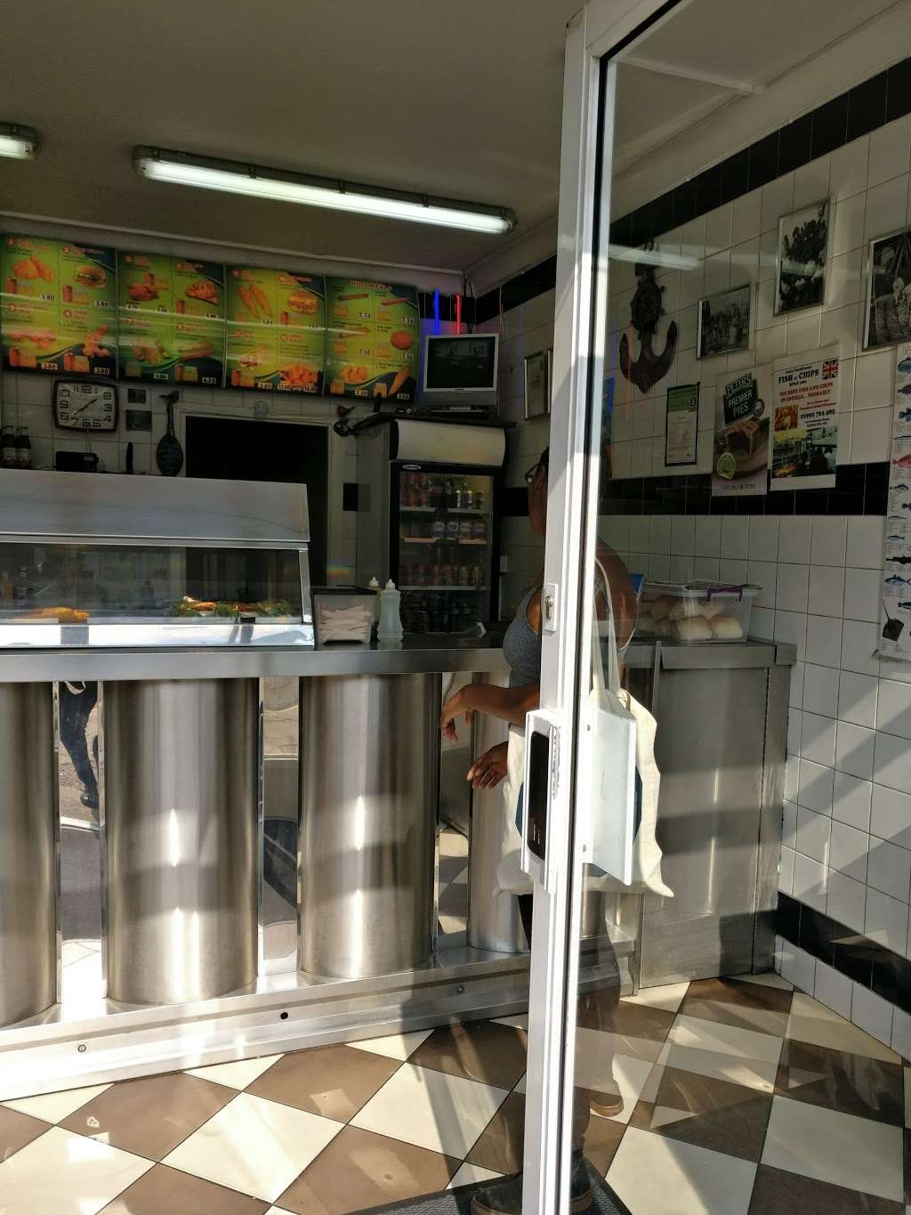 Jims Fish And Chips - meal takeaway  | Photo 10 of 10 | Address: 152 Ordnance Rd, Enfield EN3 6DL, UK | Phone: 01992 763585