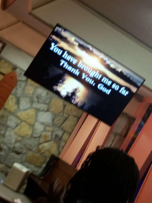 Johnson County Church of Christ - church  | Photo 2 of 3 | Address: 7300 Nieman Rd, Shawnee, KS 66203, USA | Phone: (913) 962-7310