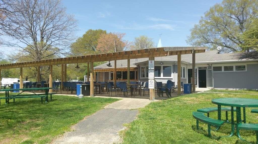 Columbia Island Marina - cafe    Photo 1 of 10   Address: George Washington Memorial Pkwy, Arlington, VA 22202, USA   Phone: (202) 347-0173