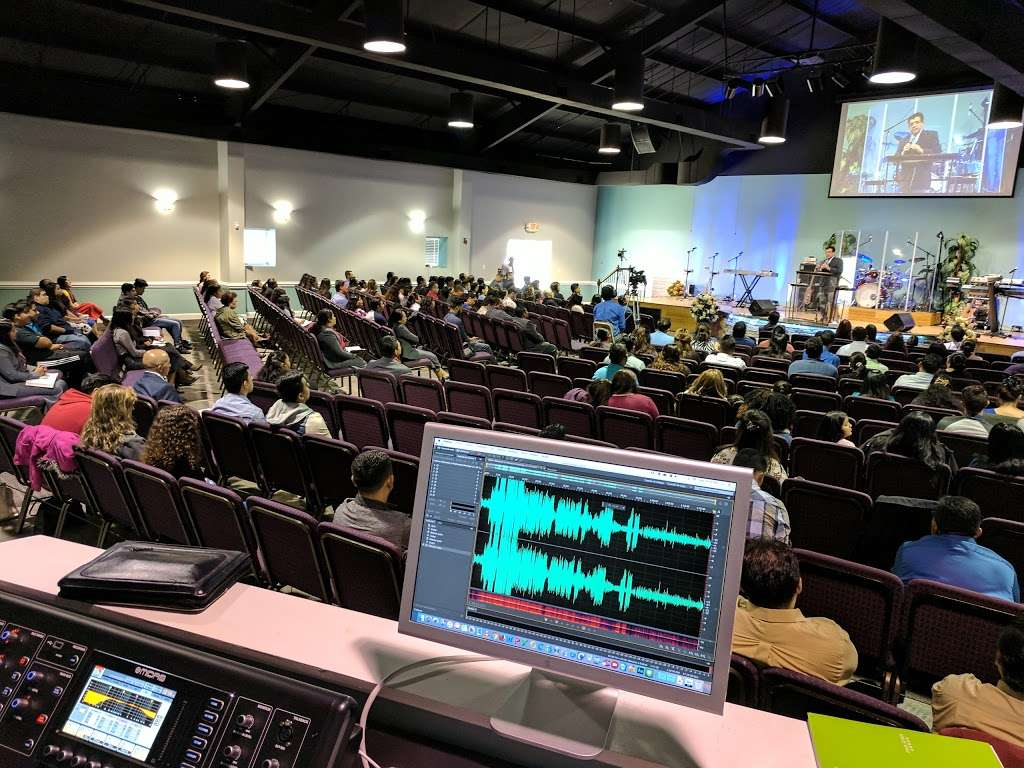 Iglesia El Siloe - church  | Photo 4 of 10 | Address: 5420 Kimmerly Glen Ln, Charlotte, NC 28215, USA | Phone: (704) 502-4444