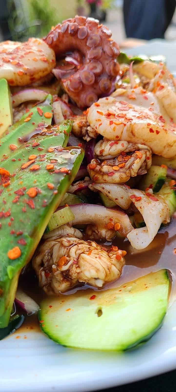 Hijoz de su Madre Mariscos - restaurant  | Photo 5 of 9 | Address: 2497 Riverside Ave, Rialto, CA 92377, USA | Phone: (909) 565-3829