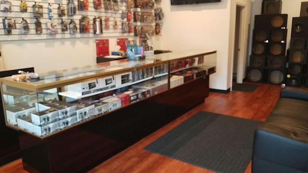 On The Go Audio - car repair  | Photo 4 of 10 | Address: 6280 Perkiomen Ave, Birdsboro, PA 19508, USA | Phone: (484) 390-2292