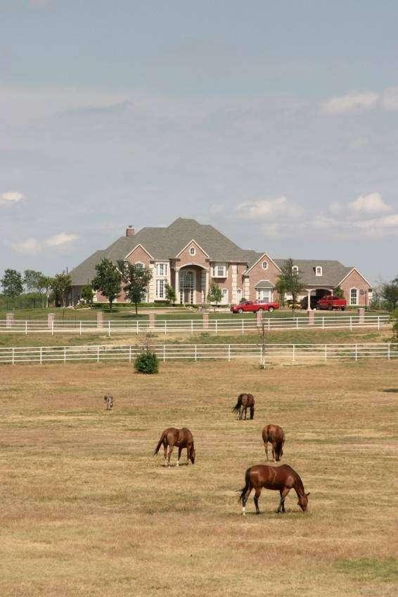 Temecula Valley Horse Property - real estate agency    Photo 2 of 10   Address: 40750 Carmelita Cir, Temecula, CA 92591, USA   Phone: (951) 966-1389