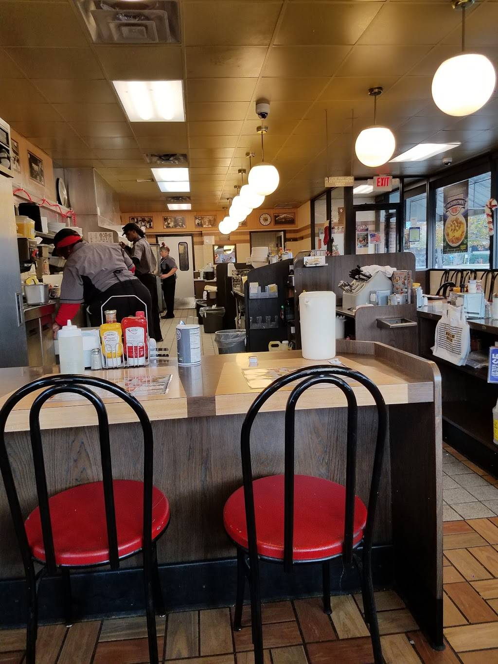 Waffle House - meal takeaway  | Photo 4 of 10 | Address: 120 W Spring Valley Rd, Richardson, TX 75081, USA | Phone: (972) 231-4802