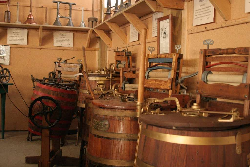 Lee Maxwell Washing Machine Museum - museum  | Photo 5 of 10 | Address: 35901 WCR 31, Eaton, CO 80615, USA | Phone: (970) 454-1856