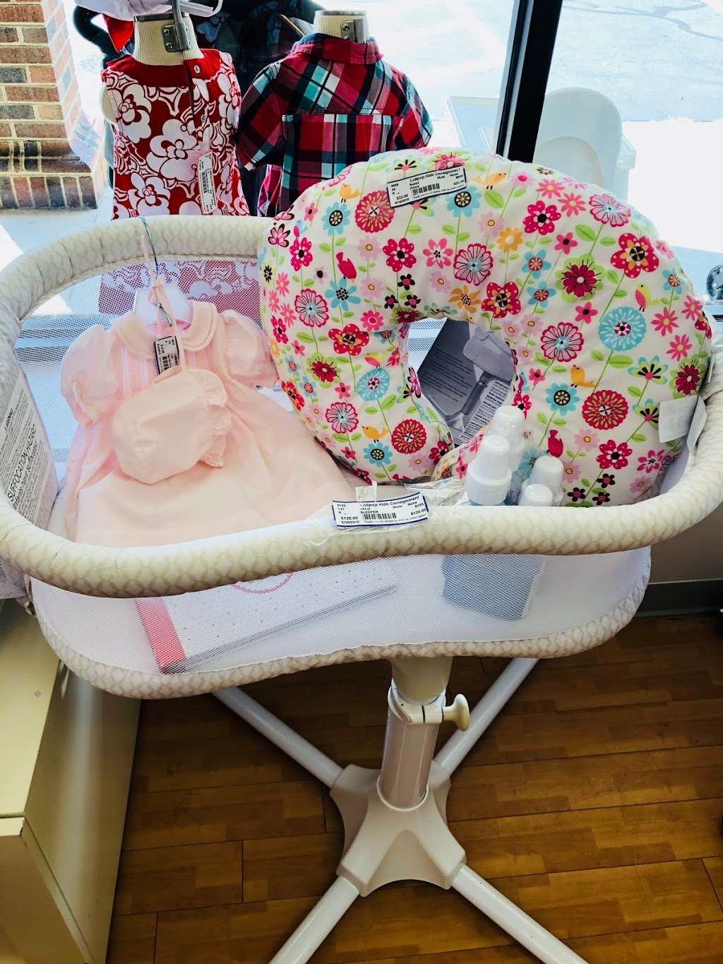 Lollipop Kids Consignment - clothing store    Photo 3 of 5   Address: 1776 N Center St ste a, Hickory, NC 28601, USA   Phone: (828) 569-1566