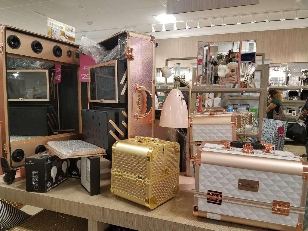 HomeGoods - department store  | Photo 5 of 10 | Address: 110 Lefante Way, Bayonne, NJ 07002, USA | Phone: (201) 339-2301