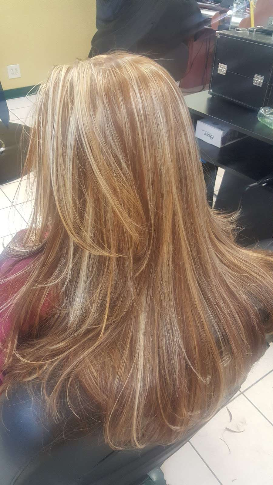 Yessenia Beauty Salon - hair care  | Photo 2 of 5 | Address: 1150 W Kiest Blvd # 400B, Dallas, TX 75224, USA | Phone: (214) 372-3669