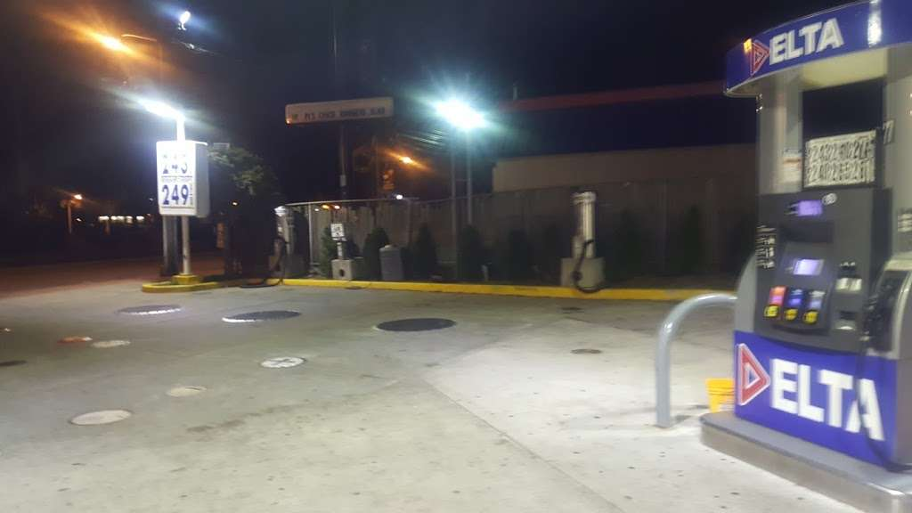 Delta Gas Station - gas station  | Photo 4 of 9 | Address: 9280 John Fitzgerald Kennedy Blvd, North Bergen, NJ 07047, USA | Phone: (201) 854-3800