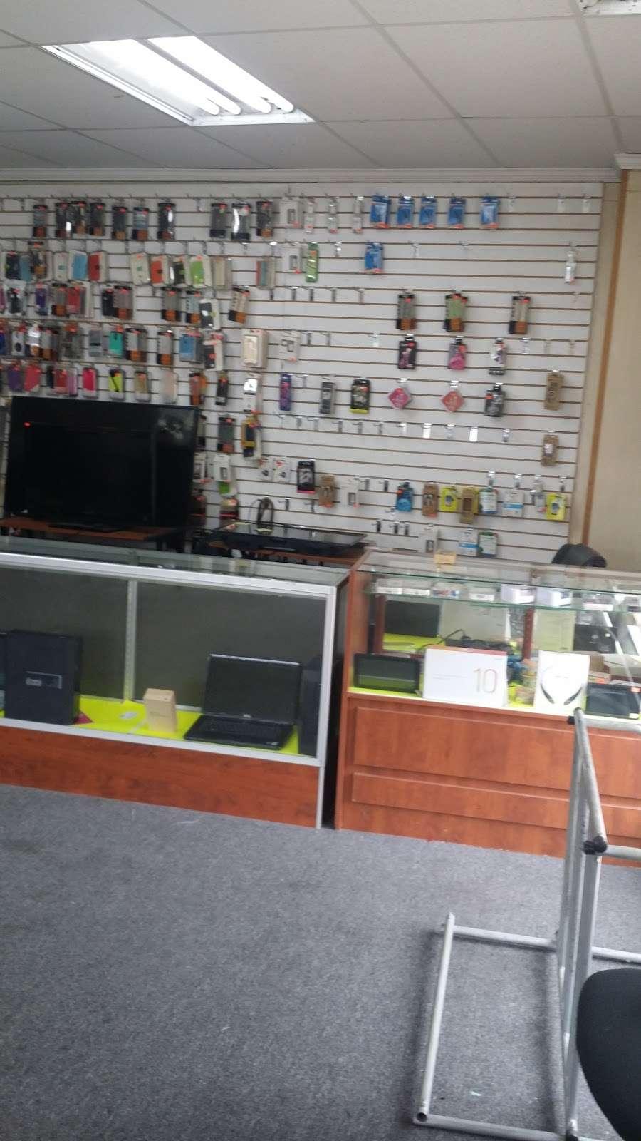 STAR GOLD & GEM - store  | Photo 1 of 10 | Address: 400 E Gun Hill Rd, Bronx, NY 10467, USA | Phone: (347) 346-4080